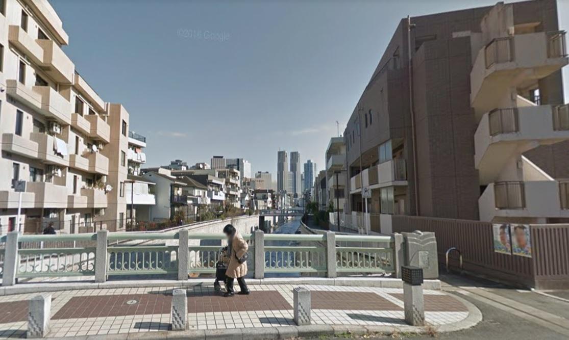 中野区の神田川に掛かる橋