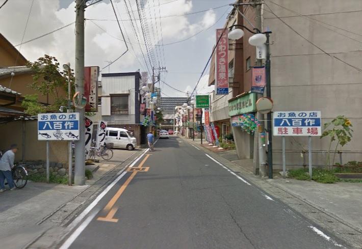 岩槻駅東口の商店街