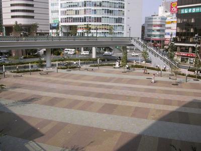 川口・キュポラ広場