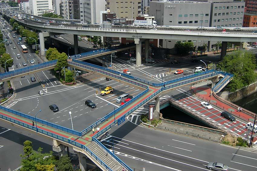 飯田橋の歩道橋