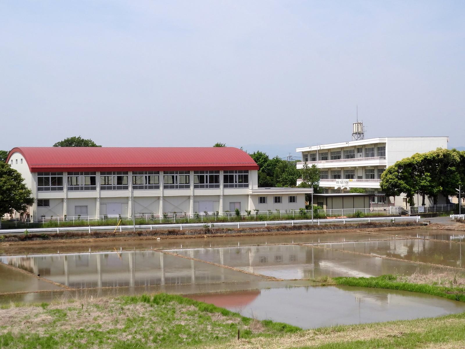 川島町立出丸小学校2