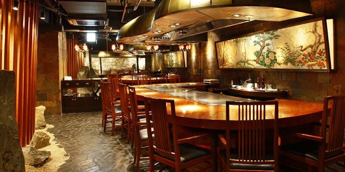鉄板焼ステーキ 六番館