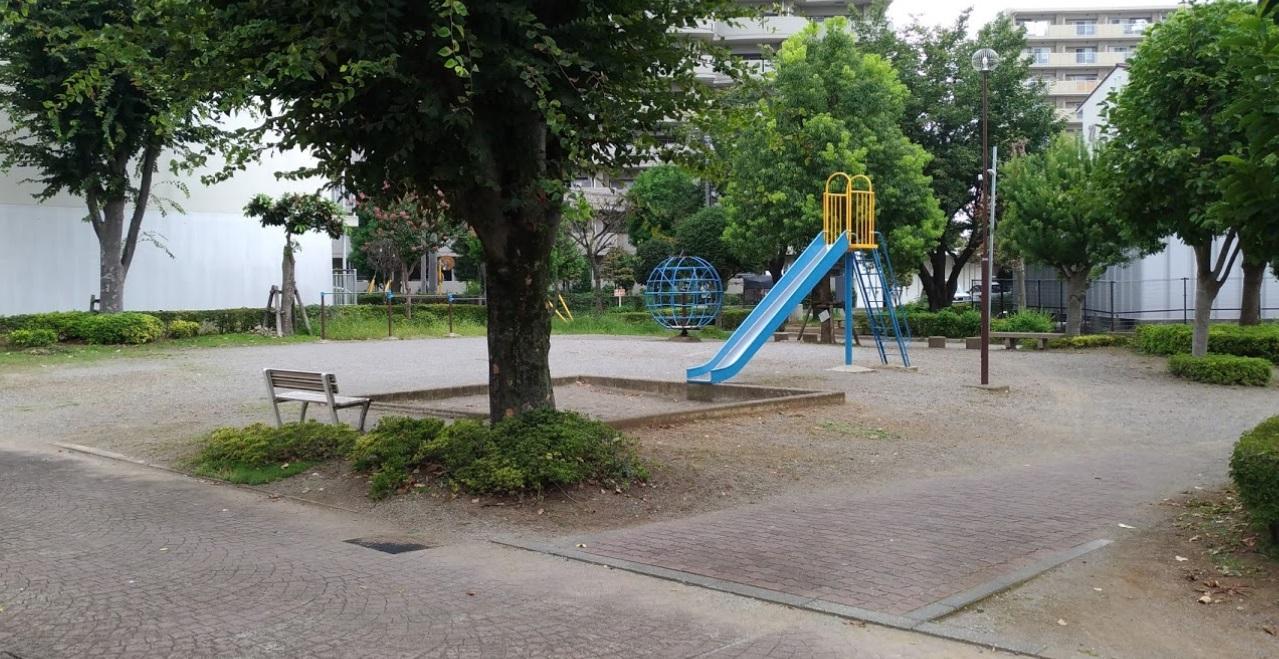 県営大宮砂団地RC-25横の公園