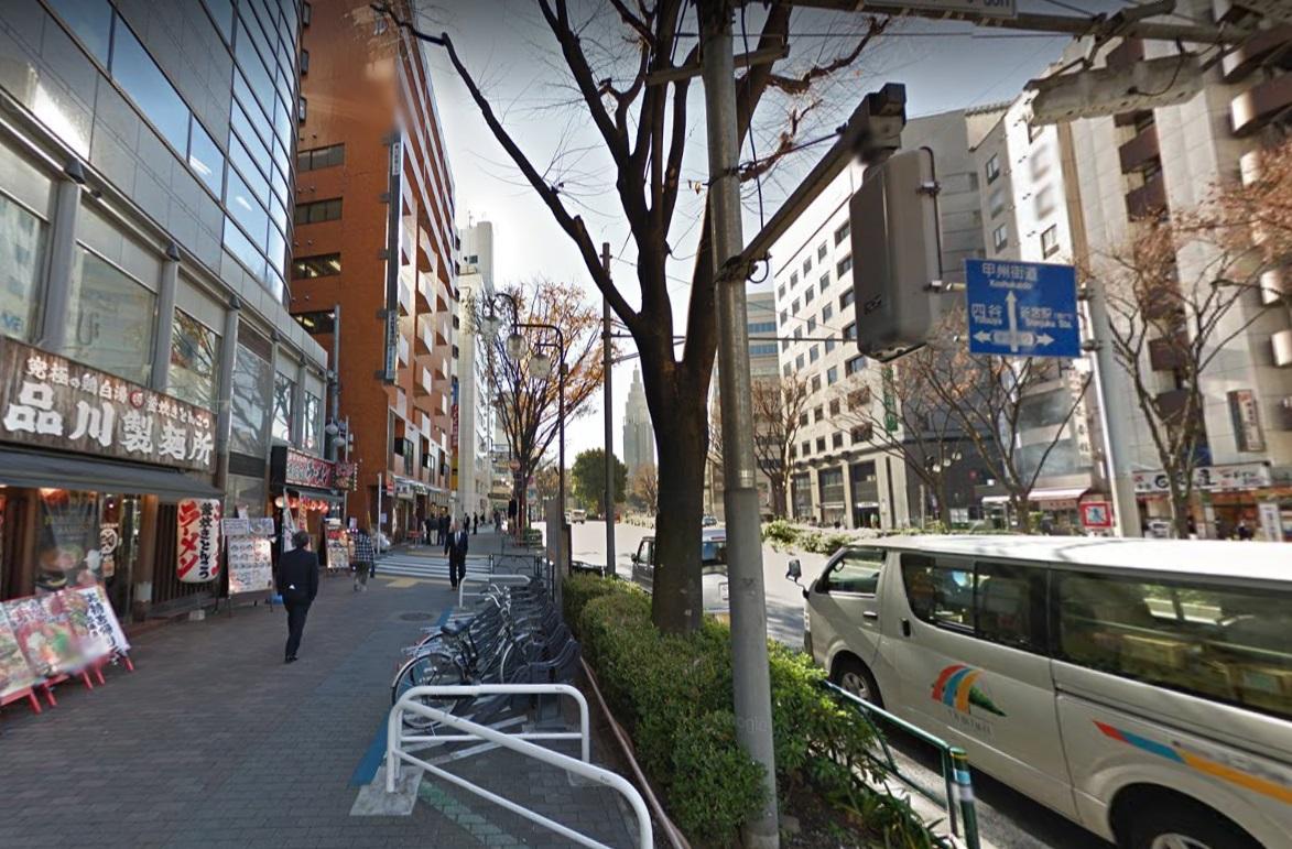 新宿柳通り交差点
