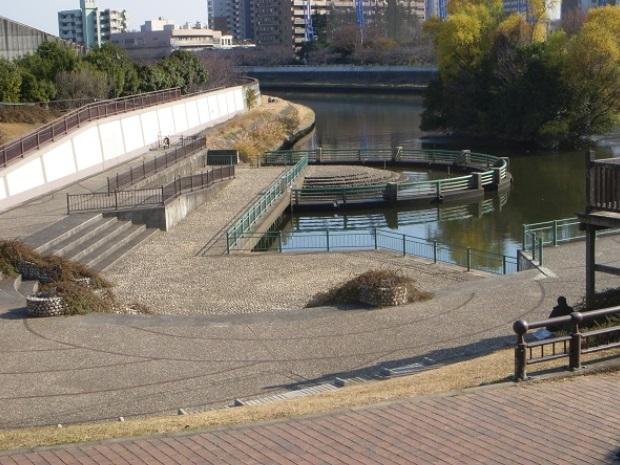 舟渡水辺公園