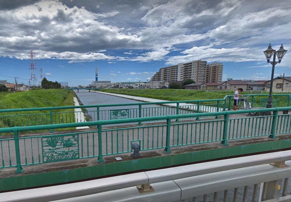新芝川・白鷺橋歩道橋