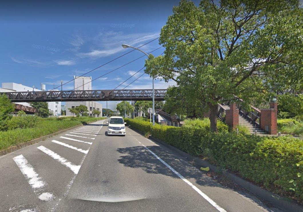 並木歩道橋