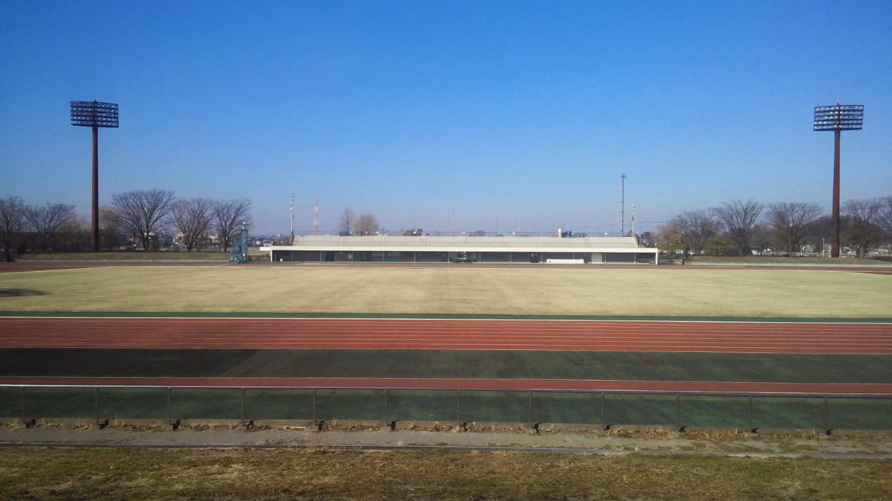 巣市陸上競技場