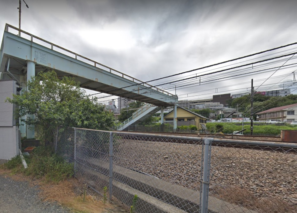 豊田駅近くの歩道橋