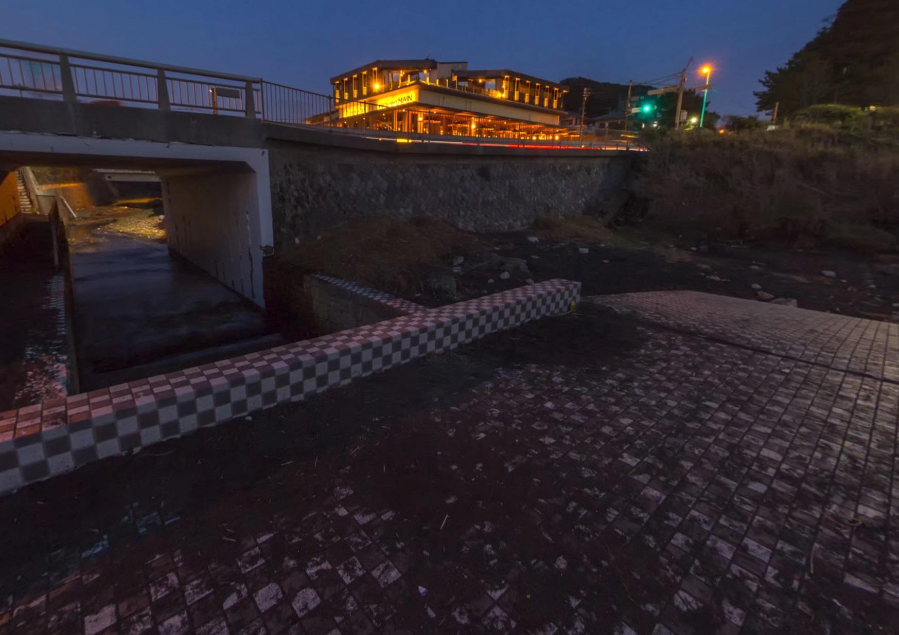 稲村ヶ崎の橋