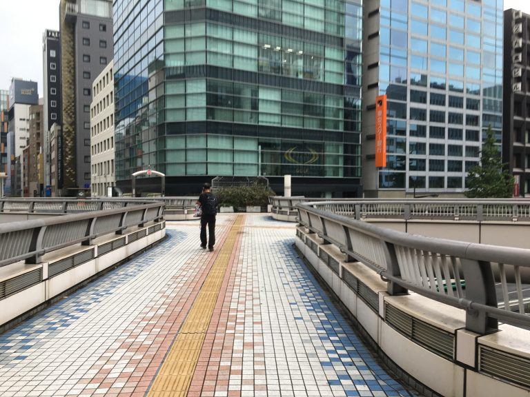 昭和通り銀座歩道橋