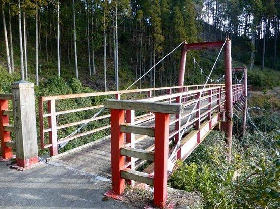 椿公園の橋